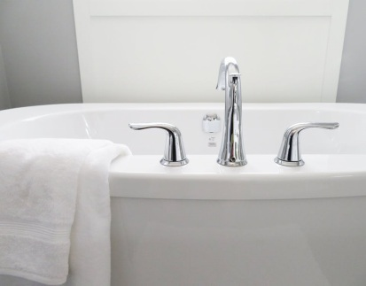 clean your bathtub