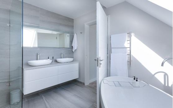 White spa bathroom